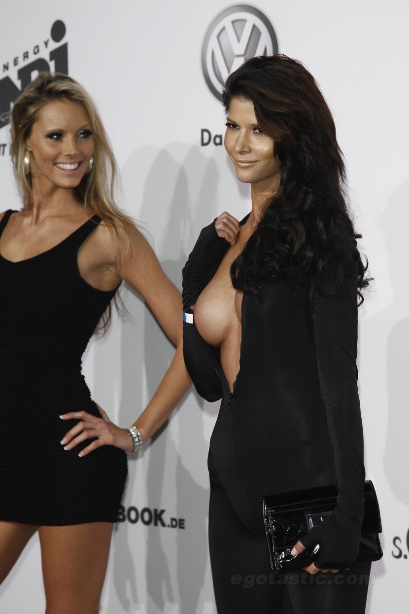 micaela-schaefer-nip-slip-we-love-energy-fashion-night-berlin-02-830x1245